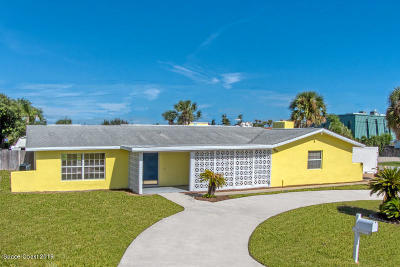 Indialantic Single Family Home For Sale: 300 Seventh Avenue