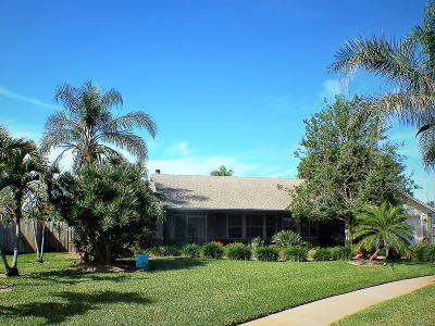 Brevard County Single Family Home For Sale: 4 Inwood Way