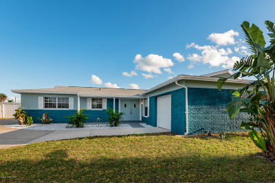 Indian Harbour Beach Single Family Home For Sale: 937 Golden Beach Boulevard