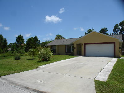 Palm Bay FL Single Family Home For Sale: $194,900