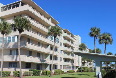 Cocoa Beach Condo For Sale: 2020 N Atlantic Avenue #104 N