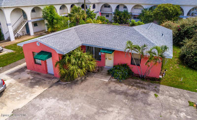 Indialantic Single Family Home For Sale: 909 S Miramar Avenue S