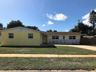 Merritt Island Single Family Home For Sale: 1405 S Harbor Drive