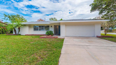 Titusville Single Family Home For Sale: 1651 W Carriage Drive