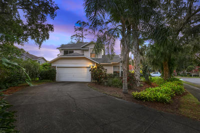 Titusville Single Family Home For Sale: 755 Wintergreen Lane