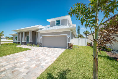 Indian Harbour Beach Single Family Home For Sale: 125 Enclave Avenue