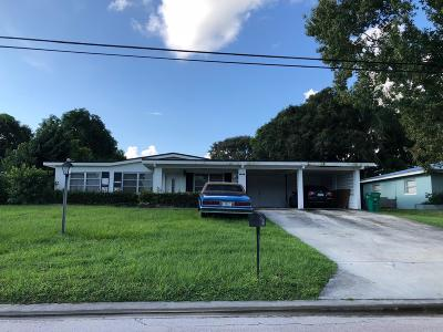St. Lucie County Single Family Home For Sale: 1911 Royal Palm Drive