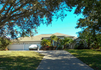 Merritt Island Single Family Home For Sale: 4131 Tradewinds Trail