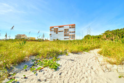 Cocoa Beach FL Condo For Sale: $589,000