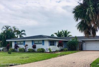 Cocoa Beach Single Family Home For Sale: 327 S Dorset Drive