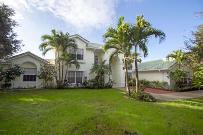 Melbourne Beach FL Single Family Home For Sale: $575,000