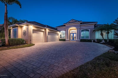 Viera, Melbourne, Melbourne Beach, Indialantic, Satellite Beach, Cocoa Beach, Eau Gallie, Palm Shores, West Melbourne, Palm Bay, Indian Harbour Beach Single Family Home For Sale: 975 Chatsworth Drive