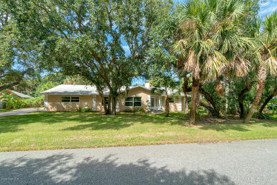 Melbourne Beach FL Single Family Home For Sale: $429,000