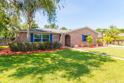 Palm Bay Single Family Home For Sale: 1208 Cimarron Circle NE