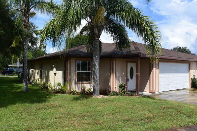 Titusville Townhouse For Sale: 4391 Sherwood Forest Drive