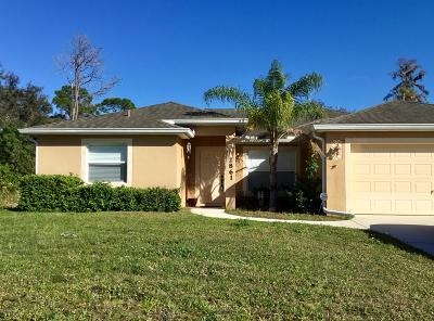 Palm Bay Single Family Home For Sale: 2861 Emerson Drive SE