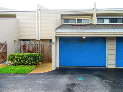 Melbourne Beach FL Townhouse For Sale: $265,000