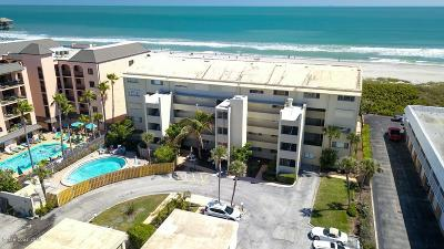 Cocoa Beach Condo For Sale: 5050 Ocean Beach Boulevard #105