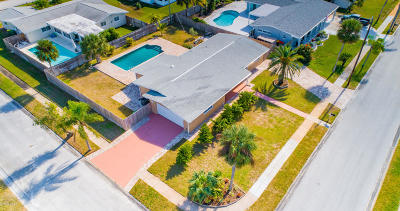 Satellite Beach Single Family Home For Sale: 565 Temple Street