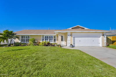 Satellite Beach Single Family Home For Sale: 768 Palm Drive