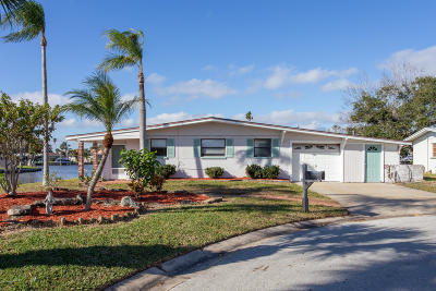 Cocoa Beach Single Family Home For Sale: 128 Deleon Road