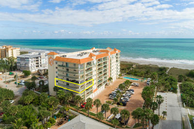 Cocoa Beach Condo For Sale: 420 Harding Avenue #401
