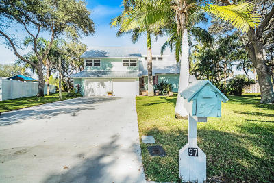 Cocoa Beach Single Family Home For Sale: 57 Greenwood Lane