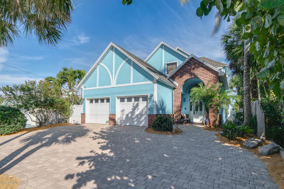 Cocoa Beach Single Family Home For Sale: 823 S Atlantic Avenue