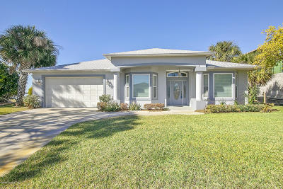Merritt Island Single Family Home For Sale: 1745 Via Roma