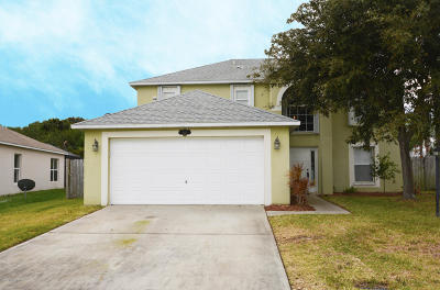 Rockledge Single Family Home For Sale: 3901 Upmann Drive