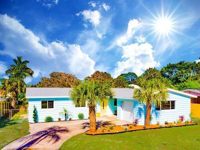 Merritt Island Single Family Home For Sale: 18 Brandy Lane