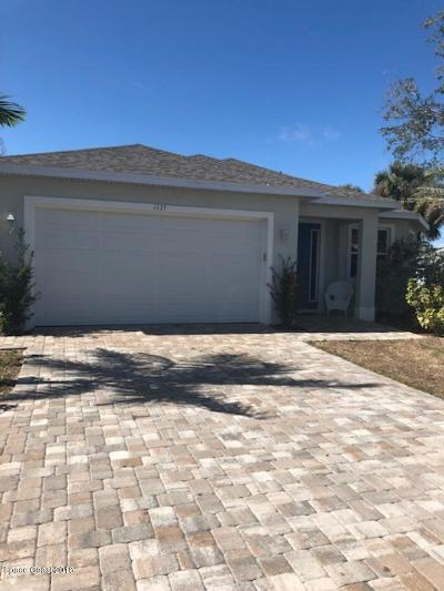 Merritt Island Single Family Home For Sale: 1175 S Courtenay Parkway