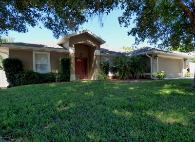 Titusville Single Family Home For Sale: 846 Willowwood Avenue