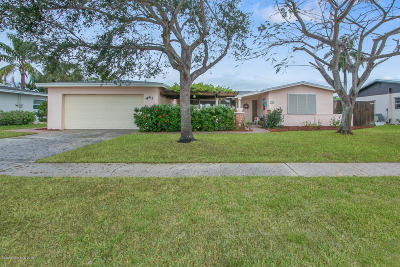Satellite Beach Single Family Home For Sale: 441 Penguin Drive