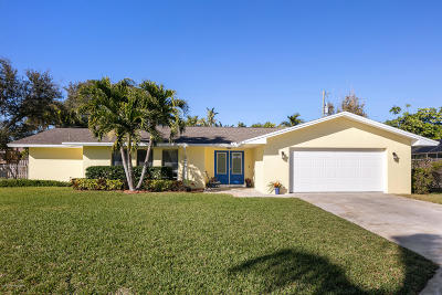 Indialantic Single Family Home For Sale: 752 Oak Ridge Drive