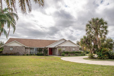 Palm Bay Single Family Home For Sale: 1839 Plantation Circle SE