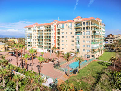 Cocoa Beach Condo For Sale: 420 Harding Avenue #801