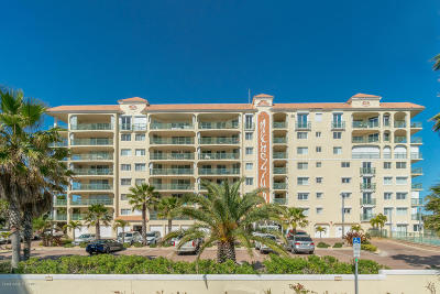 Cocoa Beach Condo For Sale: 420 Harding Avenue #702