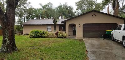 Merritt Island Single Family Home For Sale: 345 Mockingbird Lane