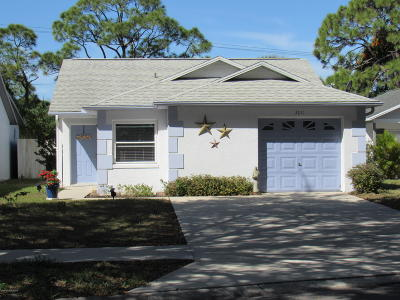 Cocoa Single Family Home For Sale: 3011 Dunhill Drive