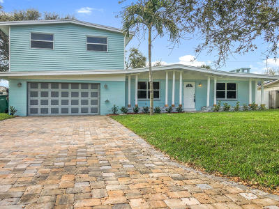 Cocoa Beach Single Family Home For Sale: 430 Capri Road