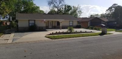 Titusville Single Family Home For Sale: 2915 Jacaranda Trail