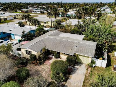 Brevard County Single Family Home For Sale: 110 Surry Lane