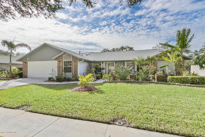 Indian Harbour Beach Single Family Home For Sale: 107 Windward Way