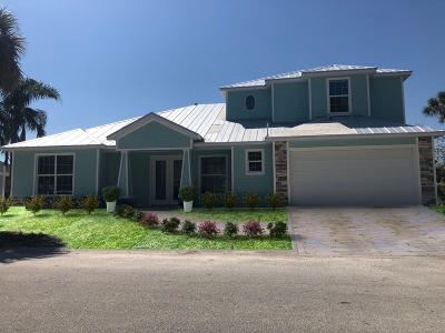 Merritt Island Single Family Home For Sale: 545 River Moorings Drive