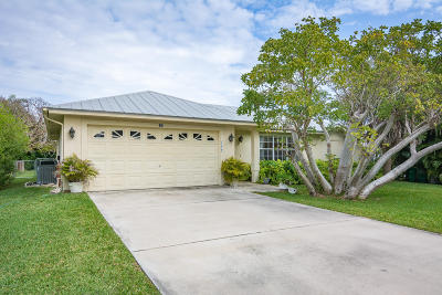 Melbourne Beach Single Family Home For Sale: 160 Duval Street