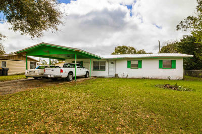 Titusville Single Family Home For Sale: 3225 Barbara Lane