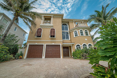 Viera, Melbourne, Indialantic, Satellite Beach, Melbourne Beach, Cocoa Beach, Eau Gallie, Palm Shores, Indian Harbour Beach, West Melbourne Single Family Home For Sale: 7797 Highway A1a