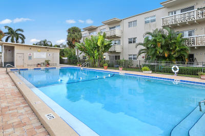 Cape Canaveral Condo For Sale: 223 Columbia Drive #301