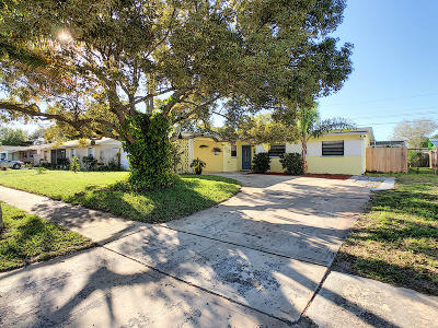 Rockledge Single Family Home For Sale: 1099 Coronado Drive